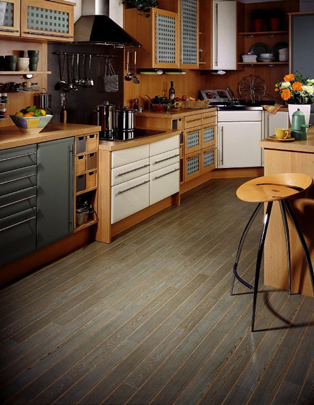 Kitchens flooring idea w692e bleached oak by amtico for Flooring choices for kitchens