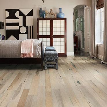 Bella Cera Hardwood Floors   Bedrooms - 6399