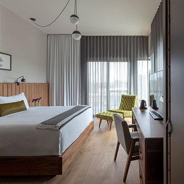 Monarch Plank Hardwood Flooring   Hospitality/Hotels
